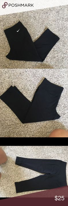 Nike crop pants! Never wore these pants and they're in great condition! Nike Pants Capris