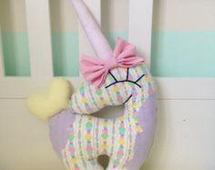 Unicornio de decoración rosa unicornio almohada por missJoyka