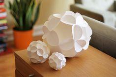 Bolas decorativas Origami | Descargables Gratis para Imprimir: Paper toys, diseño, Origami, tarjetas de Cumpleaños, Maquetas, Manualidades, decoraciones fiestas y bodas, dibujos para colorear, tutoriales. Printable Freebies, paper and crafts, diy
