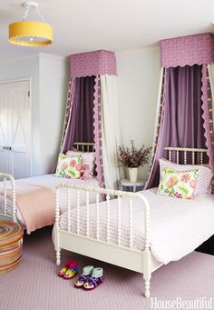 Krista Ewart designed her Pacific Palisades house with kids and commotion in mind. Canopies made of natural linen and Raoul Textiles' Coverlet dress up vintage beds in the eldest daughter's room. Purple Kids Bedrooms, Girls Bedroom, Bedroom Decor, Bedroom Ideas, Nursery Ideas, Cama Vintage, Childrens Room, Cool Kids Rooms, Kids Rooms Decor