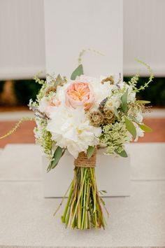 Make your very own rustic wedding bouquet like this one! #diy #tutorial
