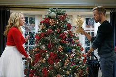 """S4x02 """"A Melanie & Josiah Christmas"""" -We LOVED last night's Christmas special of #MelissaAndJoey! Were you happy Mel got to put her star at the top?!"""