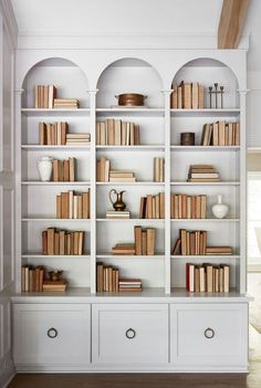 Chip & Joanna Gaines' Best Decors and Designs The Club House from Fixer Upper Library bookshelves - Scene Therapy Bookshelf Styling, Bookshelf Design, Library Bookshelves, Bookshelf Ideas, Bookcases, Bookshelf Lighting, Bookshelf Inspiration, Decorating Bookshelves, Fixer Upper