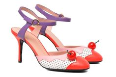 Boutique Moschino Pumps Cherry sandal  detail