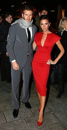 Sweet Fifteen: Happy Anniversary, Victoria and David! In honor of the stylish couple's wedding anniversary, we look back at Victoria and David Beckham's style transformation through the years. David E Victoria Beckham, Victoria And David, Victoria Beckham Style, Victoria Beckham Fashion, Vic Beckham, David Beckham Wife, Posh And Becks, Victoria Beckham Collection, Robes Glamour