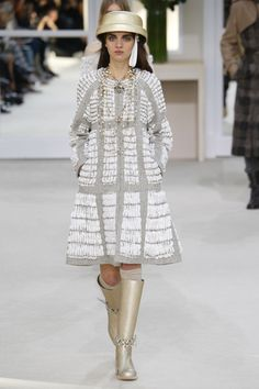 Chanel | Ready-to-Wear - Autumn 2016 | Look 72