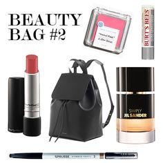 Die Beauty Bags der flair Redaktion - flair Beauty Redakteurin Marlene Charissé lässt Sie in ihre Handtasche blicken und zeigt hier ihre liebsten Beautyprodukte
