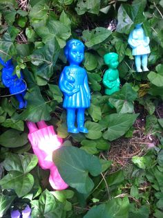 Clonette dolls in the garden
