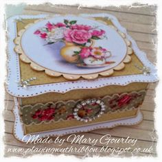 Playing With Ribbon: A pretty vintage style box .....