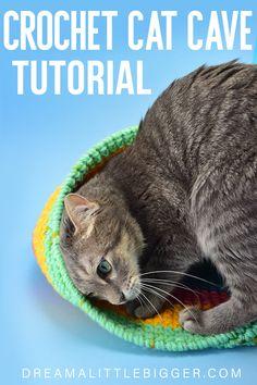 Crochet Cat Sack Hideaway ⋆ Dream a Little Bigger Easy Beginner Crochet Patterns, Easy Crochet, Crochet Pet, Crochet Classes, Crochet Projects, Crochet Ideas, Diy Projects, Stitch Witchery, Cat Cave