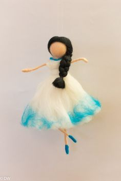 I would be happy to answer your individual wishes when choosing the right design. 19 cm Materials used: -Wire -Merino wool Felt Crafts Diy, Crafts To Do, Crafts For Kids, Ballerina, Felt Fairy, Kawaii Clothes, Wool Applique, Waldorf Dolls, Sheep Wool