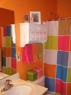 Kids bathroom idea but i have lime green walls. something i would love to do but their bathroom is also a guests bathroom. Grrr Colorful Bathroom, Colorful Shower Curtain, Best Bathroom Paint Colors, Tropical Bathroom, Colorful Curtains, Kid Bathrooms, Dorm Bathroom, Basement Bathroom, Best Bathroom Faucets