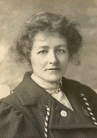 Ecofeminismo, decrecimiento y alternativas al desarrollo: La primera sufragista violenta, Edith New (1877-19...