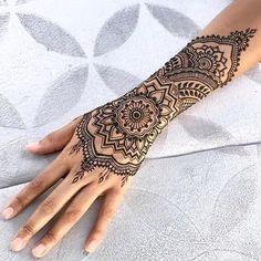 Die 129 Besten Bilder Von Henna Tattoos In 2019 Henna Patterns