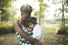 38 Timeless Photos of Moms Breastfeeding Their Children at Every Stage