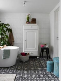 warm white bathroom- love these tiles! Laundry In Bathroom, White Bathroom, Modern Bathroom, Design Bathroom, Bathroom Ideas, Bathroom Interior, Bad Inspiration, Bathroom Inspiration, Dream Bathrooms