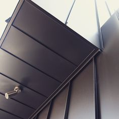 Standing Seam Detail, Black Aliminium. #melbourne #metalcladding #metalcladdingsystems #standingseam #design #designdetails #details #exterior #exteriorcladding #wall #cladding #architecture