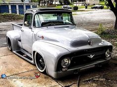 Hot Wheels - The Ford looking the business, so bad ass! - US Cars,Hot Rods und coole Bikes - Old Ford Trucks, Old Pickup Trucks, Diesel Trucks, Bagged Trucks, Classic Pickup Trucks, Ford Classic Cars, Custom Trucks, Custom Cars, Mustang