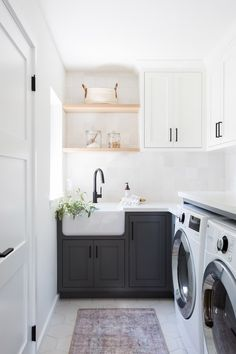 20 tips will help you improve the environment in your bedroom Laundry day never looked so chic! Design by and photo by To see more of the space head to the link is in our bio! Laundry Room Organization, Laundry Room Design, Laundry Rooms, Laundry Room Lighting, Room Goals, Interior Design Studio, Room Interior, Interior Ideas, Cool Rooms