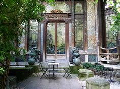 a beautiful movie theatre. This is the garden as you exit. Outside Living, Outdoor Living, Beautiful Space, Beautiful Homes, Beautiful Things, Paris, Outdoor Spaces, Outdoor Decor, Secret Places