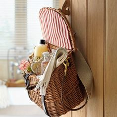 great idea...  (via Guest goodie bag | Turn your home into a guest retreat | housetohome.co.uk)