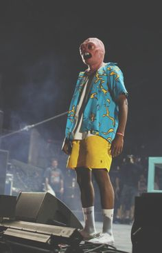 Tyler with the Cherrybomb mask at Coachella. Logo Fleur, Tyler The Creator Wallpaper, Sup Girl, Rap Wallpaper, Pink Wallpaper, Young T, Mein Style, Odd Future, Photo Wall Collage