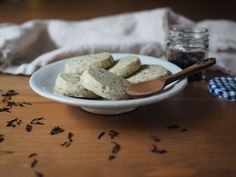 This is a super easy tea cookie recipe for an everyday dessert or indulgent tea party afternoon. Made using Lord Bergamot tea by Steven Smith Teamaker.