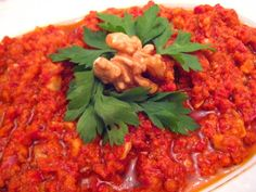 Hepsi Birbirinden Lezzetli 15 Hatay Mezesi- Onedio.com Muhammara Recipe, Turkish Recipes, Ethnic Recipes, Chana Masala, Fried Rice, Quinoa, Salads, Recipies, Curry