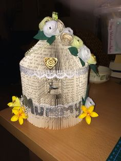 Mummy birdcage
