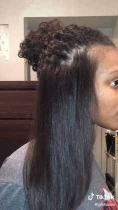 Curly Hair Routine, Curly Hair Tips, Curly Hair Care, Curly Hair Styles, Natural Hair Styles, Curly Hair Brush, Mixed Curly Hair, Curly To Straight Hair, 4a Hair