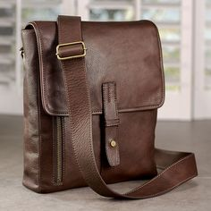 Belmont iPad Messenger - Leather ipad messenger bag, Men's messenger bag - Levenger [I want this bag for work.]