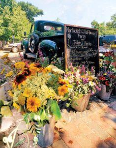 old fashion truck parked behind metal pails full of flowers Flower Truck, Flower Cart, My Flower, Flower Power, Bubble Guppies Party, Combi Vw, Flower Farmer, Farm Trucks, Flower Studio