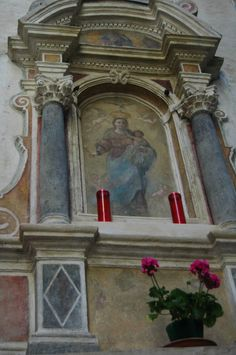 Sanremo (IM) centro storico della Pigna  edicola votiva (XVII sec.) a Porta Santa Brigida Home Altar, Street Art, Scenery, Retro, Posters, Painting, Ideas, Saints, Christian Art