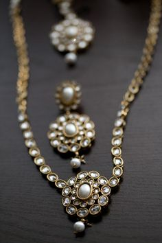 love the combination of stones and pearls