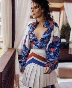 Laetitia Casta, Dresses With Sleeves, Celebrities, Long Sleeve, Singers, Beauty, Women, Fashion, Moda