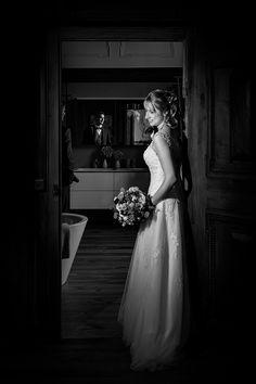 Edle & Natürliche Hochzeitsfotografie Wedding Dresses, Fashion, Wedding Photography, Bride Dresses, Moda, Bridal Wedding Dresses, Fashion Styles, Weeding Dresses, Weding Dresses