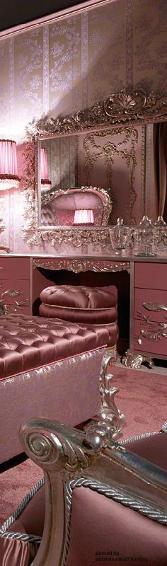this is such a pretty Pink bedroom decor ❤ For us girly-girls with a little Hollywood mixed in for good measure! Pink Lila, Rosa Pink, Pink Houses, Pink Room, European Home Decor, Everything Pink, My New Room, Dream Bedroom, Rose Bedroom