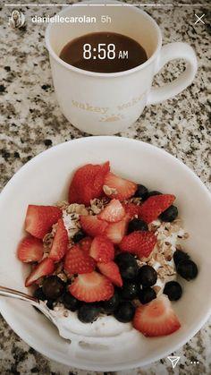 - food - and Drink aesthetic Think Food, I Love Food, Good Food, Yummy Food, Tasty, Healthy Meal Prep, Healthy Snacks, Healthy Recipes, Healthy Fruits