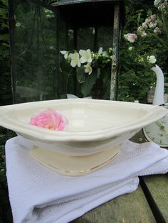 http://www.ebay.de/itm/ANTIKE-SCHALE-STEINGUT-CREME-WEISS-Franske-Shabby-JDL-Frankreich-belle-blanc-/221454184613?nma=true