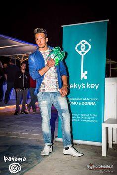Giacca #loft1 T-Shirt #Marklimitededition Jeans #loft1 Scarpe in mano #Diadora