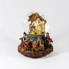 Natal / Globos de Neve - Sagrada Familia com Reis Magos em Bola de Neve - Bau da Cravus