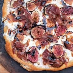Fig and Prosciutto Pizza with Balsamic Drizzle: meet your new favorite pizza--- the perfect marriage of savory sweet.