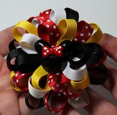 Loopy Flower Hair Bow Tutorial -need to find some minnie/mickey buttons?