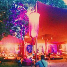 ♥♥ The Wedding Fashion Night ♥♥ ♥ Visita www.wfnclub.com ♥ #wfn #exoticglam #bodas #weddings - Zona Chill out de #actualitycarpas -@actualitycarpas  @Detallerie
