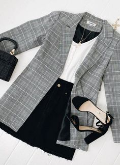 outfits over 40 casual for women \ outfits over 40 ; outfits over 40 women ; outfits over 40 winter ; outfits over 40 casual ; outfits over 40 spring ; outfits over 40 casual for women ; outfits over 40 summer ; outfits over 40 plus size Summer Fashion Outfits, Fall Outfits, Summer Fashions, Look Fashion, Autumn Fashion, Womens Fashion, Petite Fashion, Feminine Fashion, Sporty Fashion