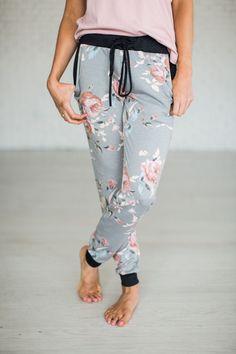 Hayden Floral Joggers [ships 3/29]