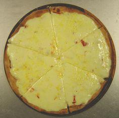 """Marche una mediana de muzza!"" Empanadas, Chefs, Beverages, Pizza, Bread, Foods, Desserts, Argentina, Food Food"
