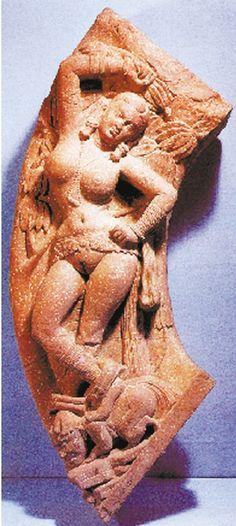 娑羅樹下的藥叉,腳踏代表邪惡的侏儒。 Indian Women Painting, Indian Paintings, Indian Art, Stone Sculpture, Sculpture Clay, Esoteric Art, Historical Art, Hindu Art, Stone Art