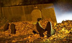 Homemade Halloween decoration ideas: How to build your own graveyard | wide calf riding boot | Craft Corners