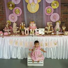 From HeidiPartyCreations on Etsy: HeidiPartyCreations Minnie Mouse First Birthday, Minnie Mouse Party, Girl First Birthday, Mouse Parties, Birthday Backdrop, Birthday Party Decorations, 1st Birthday Parties, Minnie Golden, Royalty Baby Shower Theme